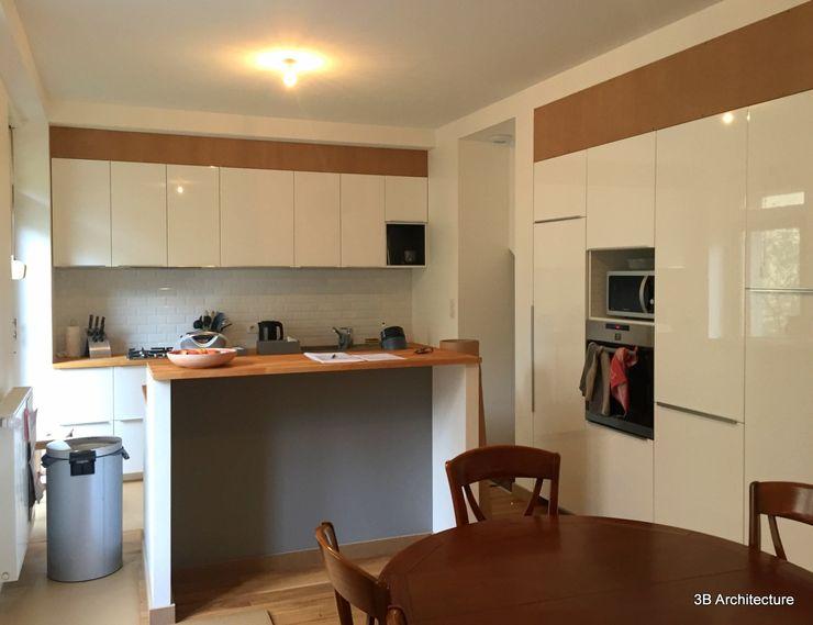 3B Architecture Nhà bếp phong cách hiện đại White