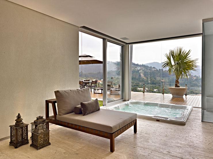 Márcia Carvalhaes Arquitetura LTDA. Modern spa