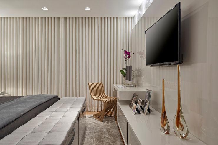 Isabela Canaan Arquitetos e Associados Modern style bedroom