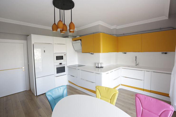 Murat Aksel Architecture Modern kitchen Wood White