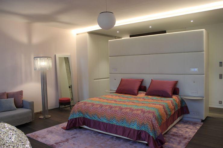 Wohnung E SMART LIVING GmbH Moderne Schlafzimmer