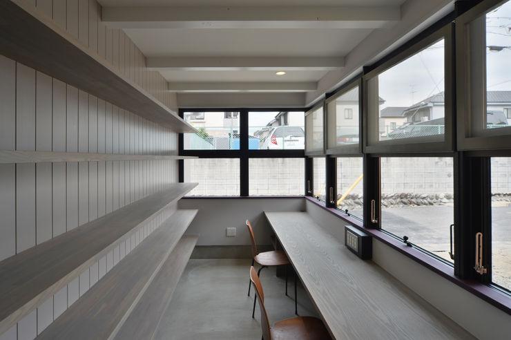 守山の家 Nobuyoshi Hayashi モダンデザインの 書斎