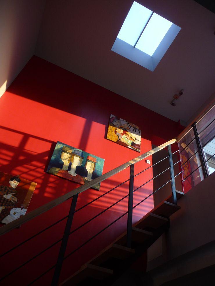 Sur-élévation en ossature bois traditionnelle AADD+ Couloir, entrée, escaliers modernes
