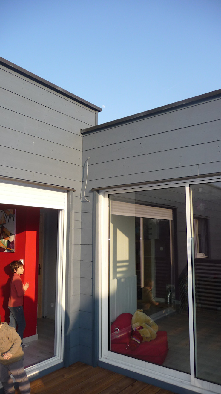 Sur-élévation en ossature bois traditionnelle AADD+ Balcon, Veranda & Terrasse modernes