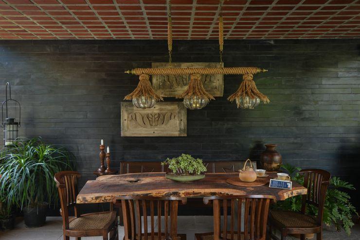Chattarpur Farmhouse New Delhi monica khanna designs 餐廳桌子
