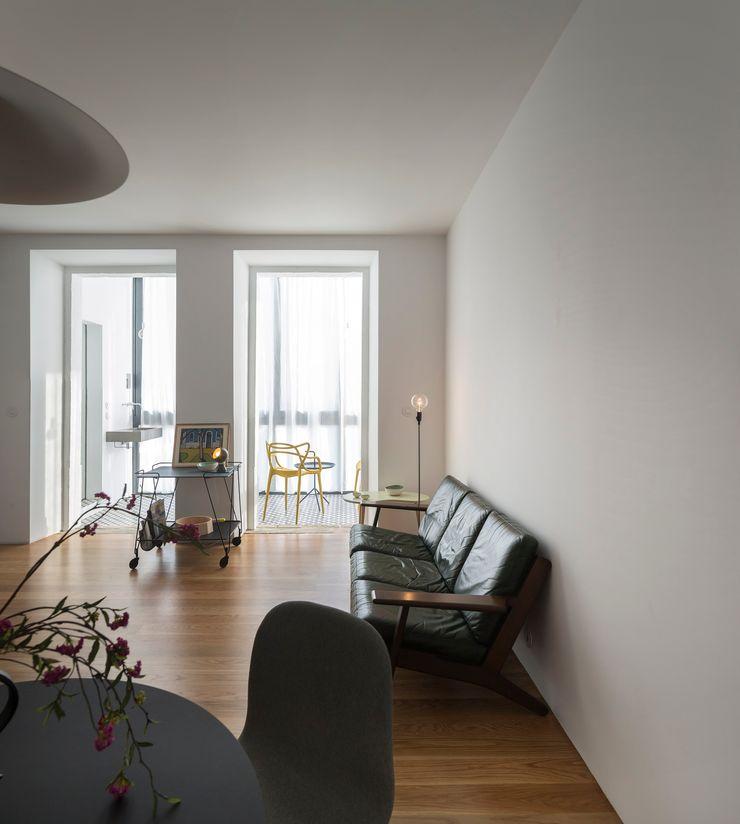Príncipe real apartment lisbon fala Modern Living Room