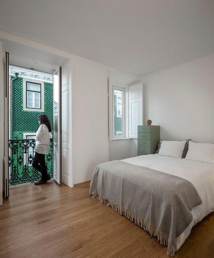 Príncipe real apartment lisbon fala Modern Bedroom