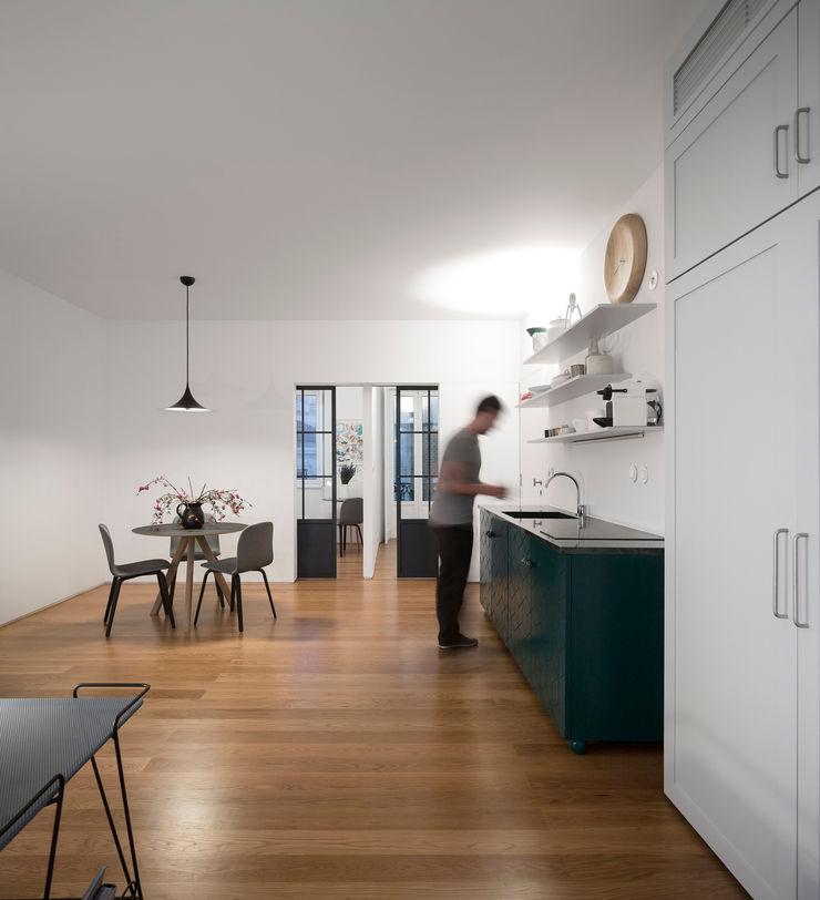 Príncipe real apartment lisbon fala Modern Kitchen