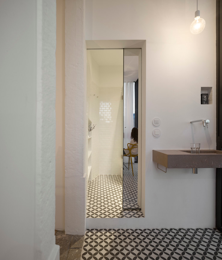 Príncipe real apartment lisbon fala Modern Bathroom