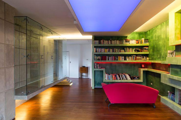 officinaleonardo Moderne Wohnzimmer Ziegel Grün