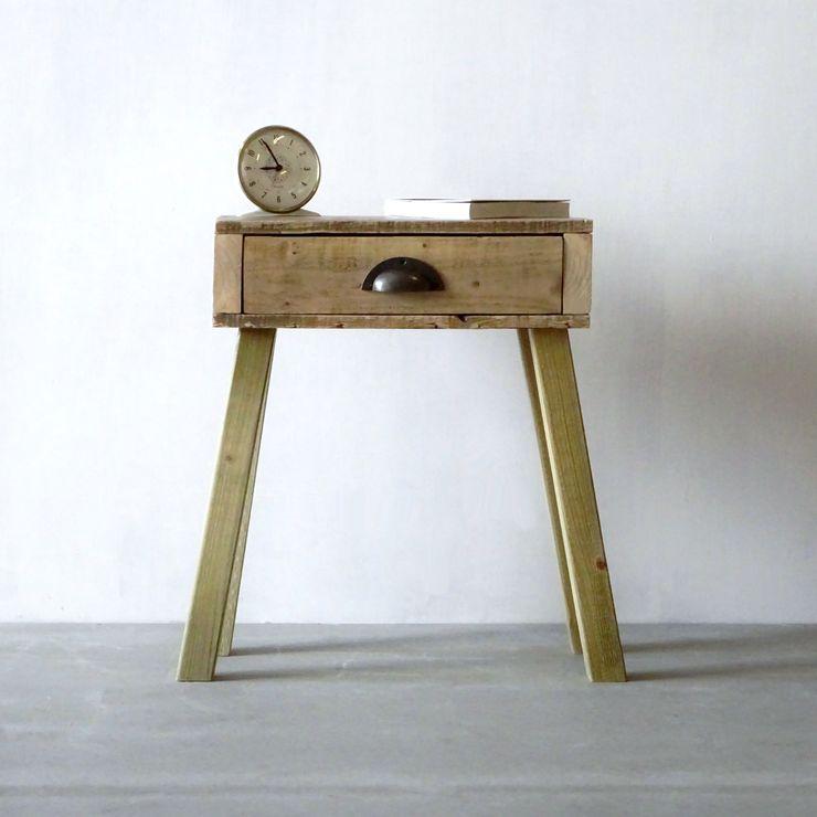 Bedside Table Piggledy Pallet Furniture SchlafzimmerNachttische Holz Holznachbildung