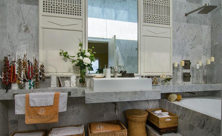 Olivia Aldrete Haas Casas de banho modernas