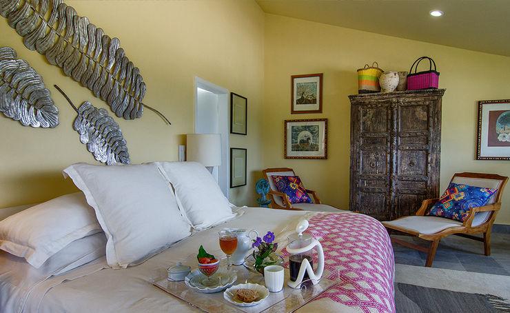 Olivia Aldrete Haas Modern style bedroom