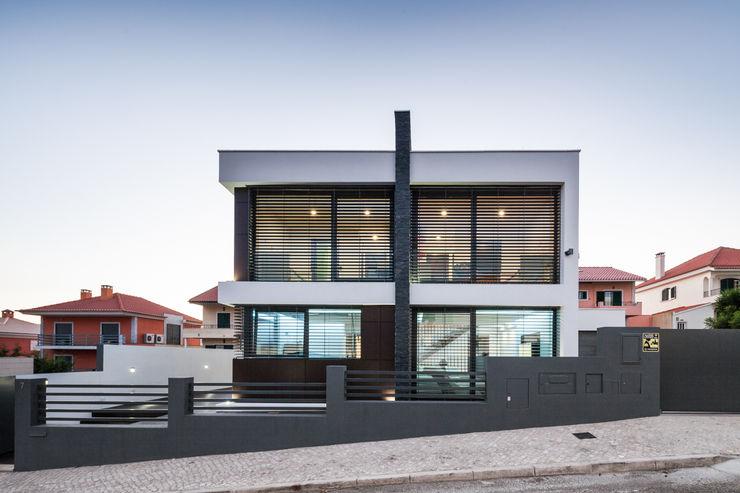 JPS Atelier - Arquitectura, Design e Engenharia Rumah Modern