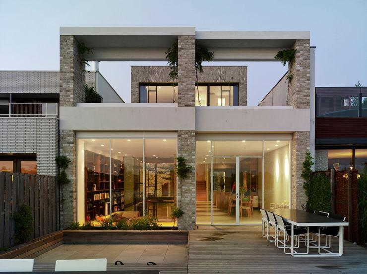 terras waterzijde office winhov Minimalistische huizen