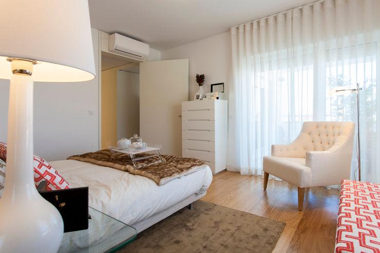 Suite do Casal Traço Magenta - Design de Interiores Quartos modernos