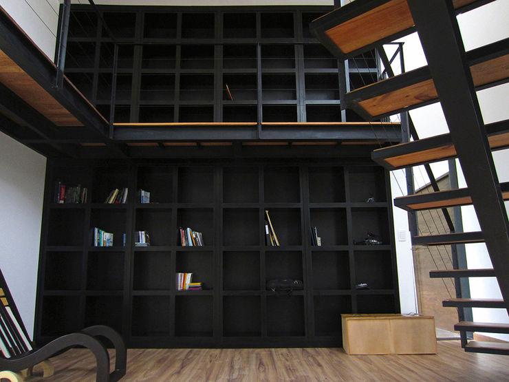 Narda Davila arquitectura Bureau moderne Fer / Acier Noir