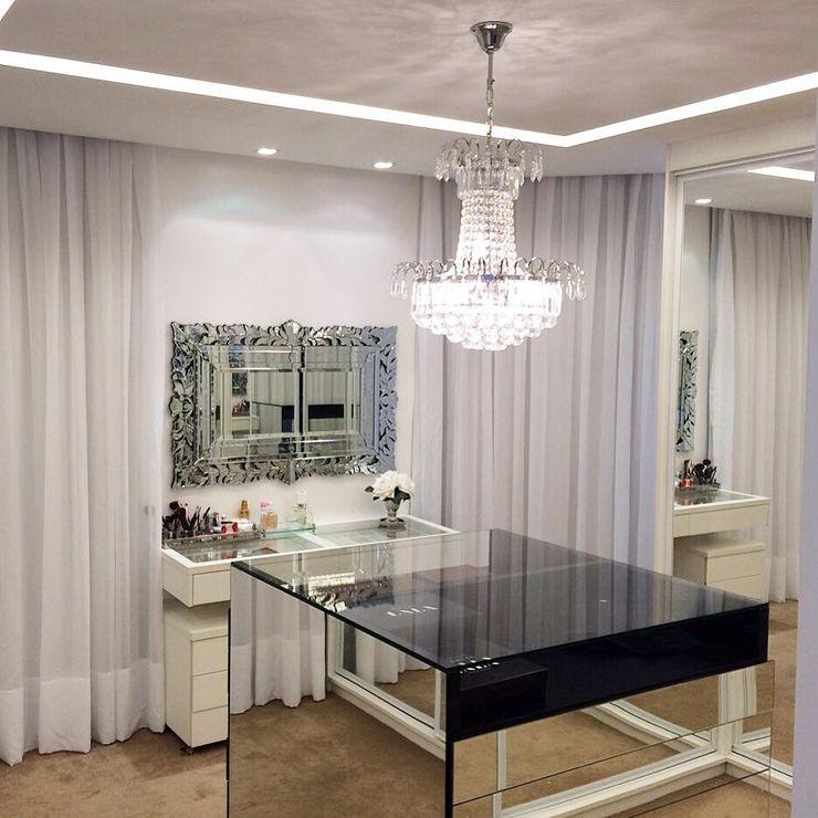 Palloma Meneghello Arquitetura e Interiores Modern style dressing rooms White