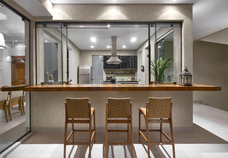 Isabela Canaan Arquitetos e Associados Balcones y terrazas de estilo moderno