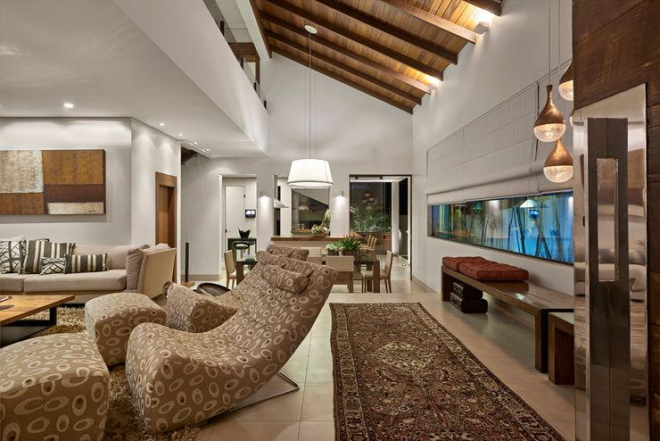 Isabela Canaan Arquitetos e Associados 现代客厅設計點子、靈感 & 圖片