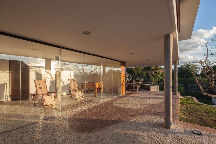 JPGN House MGS - Macedo, Gomes & Sobreira Balcon, Veranda & Terrasse modernes