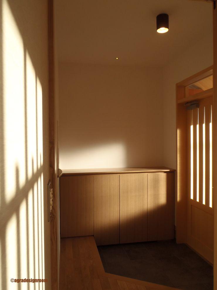 アグラ設計室一級建築士事務所 agra design room Corridor, hallway & stairs Accessories & decoration Wood