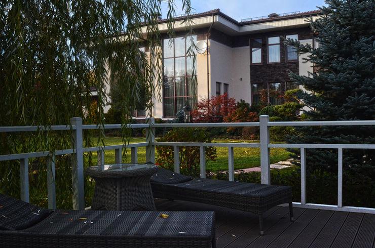Загородный дом в поселке Графские пруды, МО Des Formes Сад в классическом стиле