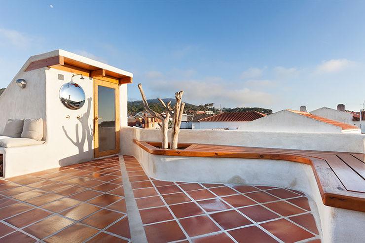 pedro quintela studio Country style balcony, porch & terrace