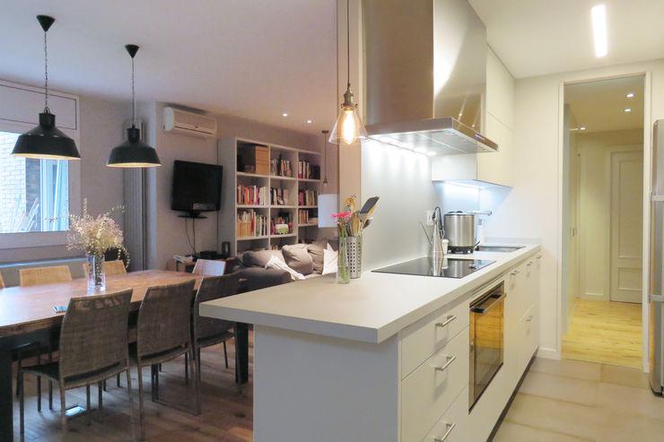 Brick Serveis d'Interiorisme S.L. Modern Kitchen