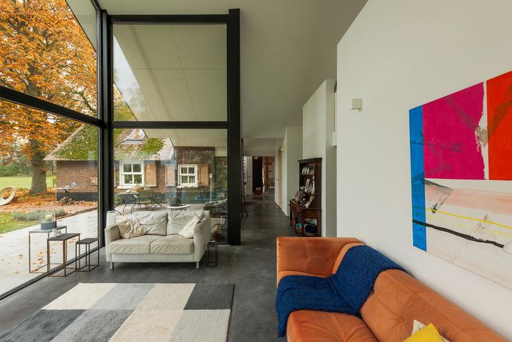 Maas Architecten Modern Living Room