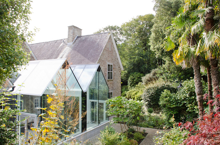 Structural Glass Conservatory, Cornwall The Bazeley Partnership Modern conservatory Glass