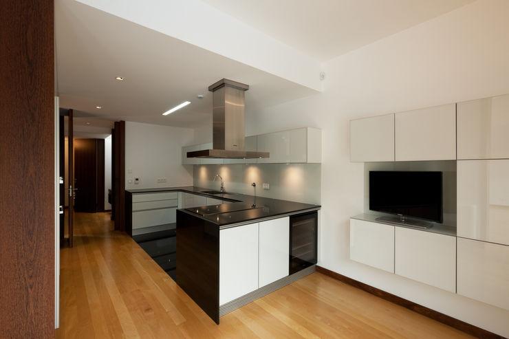 XYZ Arquitectos Associados Moderne Küchen