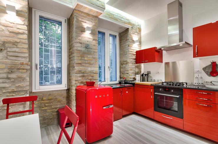 architetto raffaele caruso Cocinas de estilo moderno