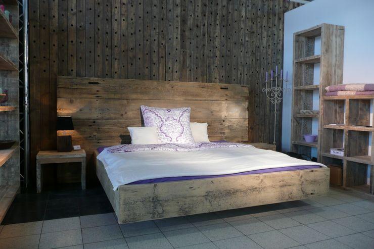 Tischlerei Charakterstück СпальняЛіжка та спинки