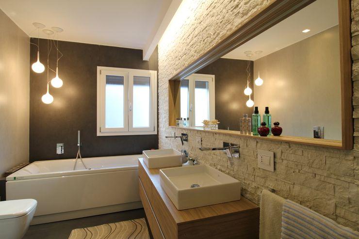 Giuseppe Rappa & Angelo M. Castiglione Ванная комната в стиле модерн