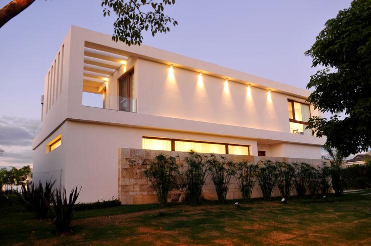 Ramirez Arquitectura Modern houses Stone White