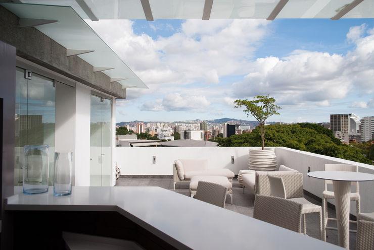 PH Castellana Real VODO Arquitectos Balcones y terrazas de estilo moderno