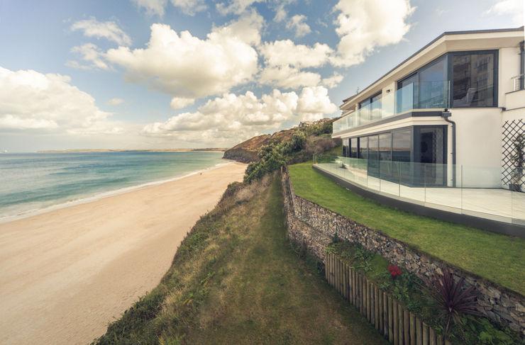 The Beach House, Carbis Bay Laurence Associates Casas de estilo moderno
