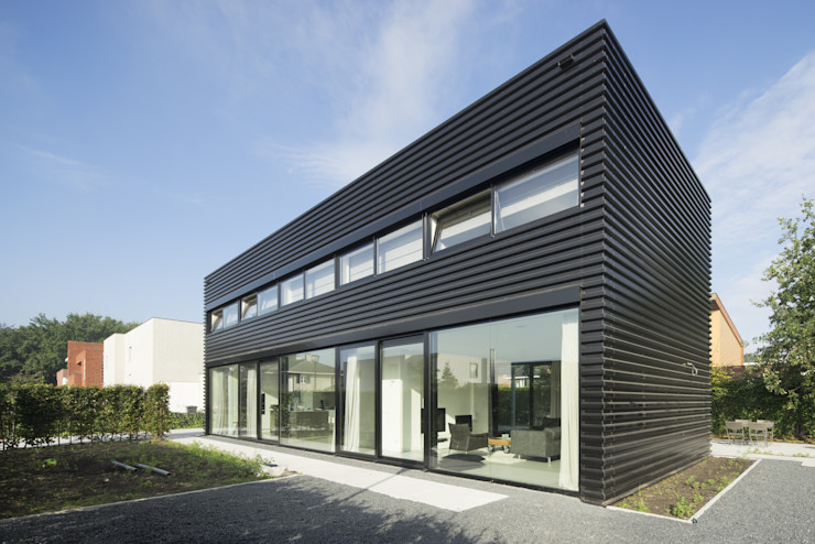 JMW architecten Industrial style houses Iron/Steel Black