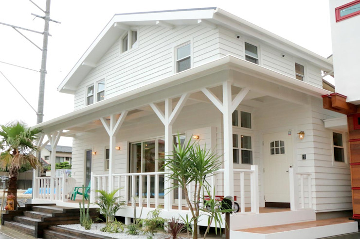 THE MAKER'S&United Space Architect Colonial style house Wood White