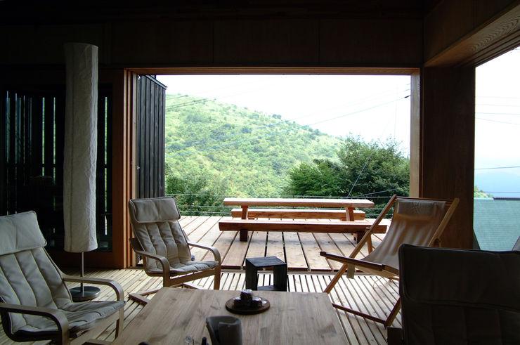 樋口善信建築計画事務所 餐廳 木頭 Wood effect