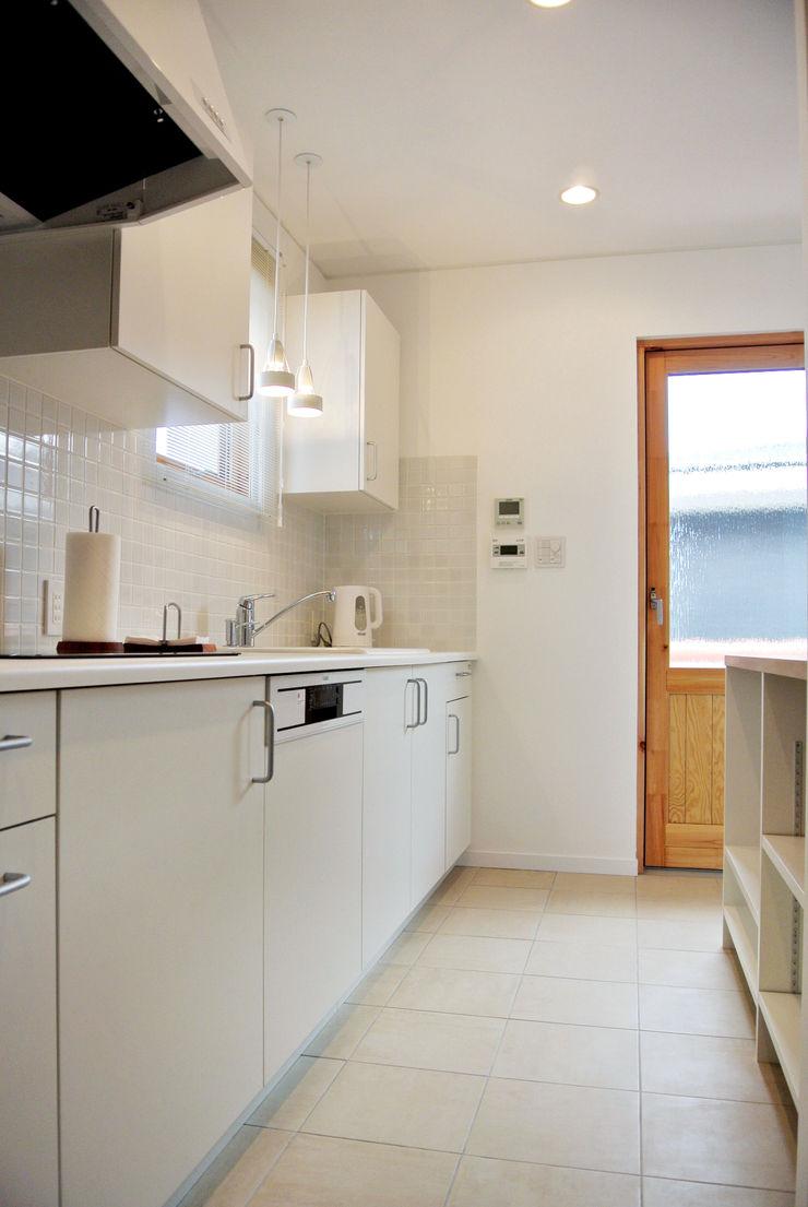 株式会社 ヨゴホームズ Scandinavian style kitchen
