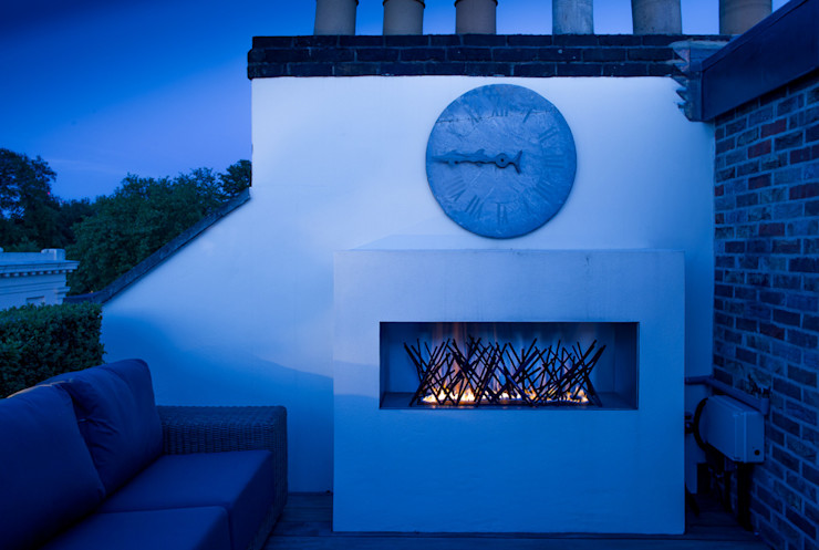 The roof terrace at the Chelsea House. Nash Baker Architects Ltd Balcones y terrazas clásicos