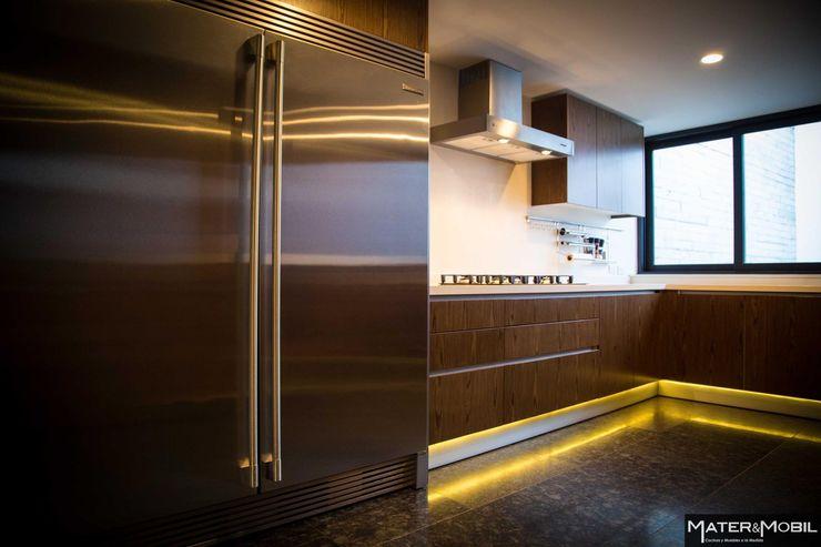 Cocina Reforma Monte Blanco Mater & Mobil Cocinas modernas