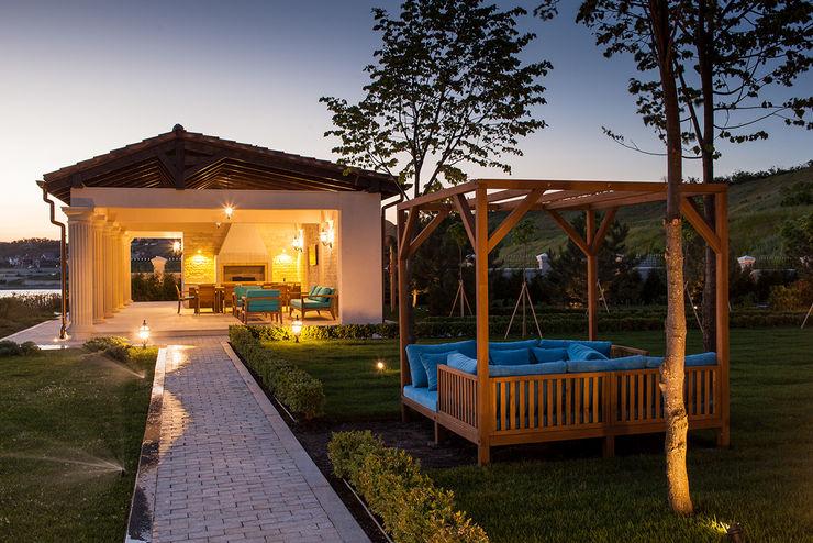 Дом в Одесской области kvartalstudio Сад в средиземноморском стиле