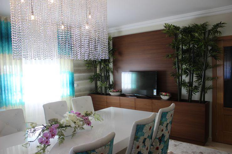 Andreia Louraço - Designer de Interiores (Email: andreialouraco@gmail.com) Comedores de estilo moderno Bambú Marrón