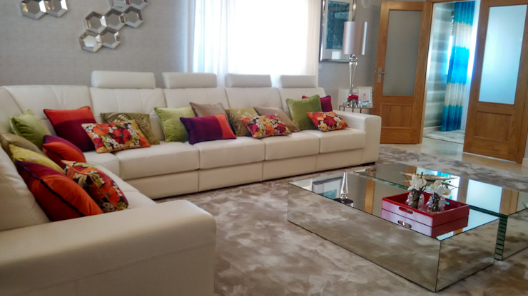 Andreia Louraço - Designer de Interiores (Email: andreialouraco@gmail.com) Salon moderne Bois d'ingénierie Vert