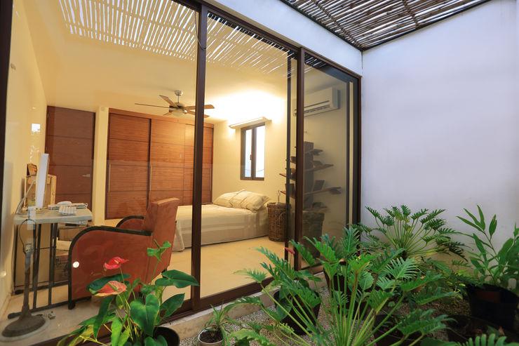 FGO Arquitectura Tropical style garden White