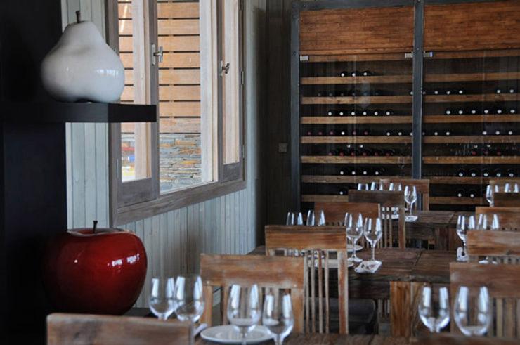 Estudio Susana Villaverde Dining roomDressers & sideboards