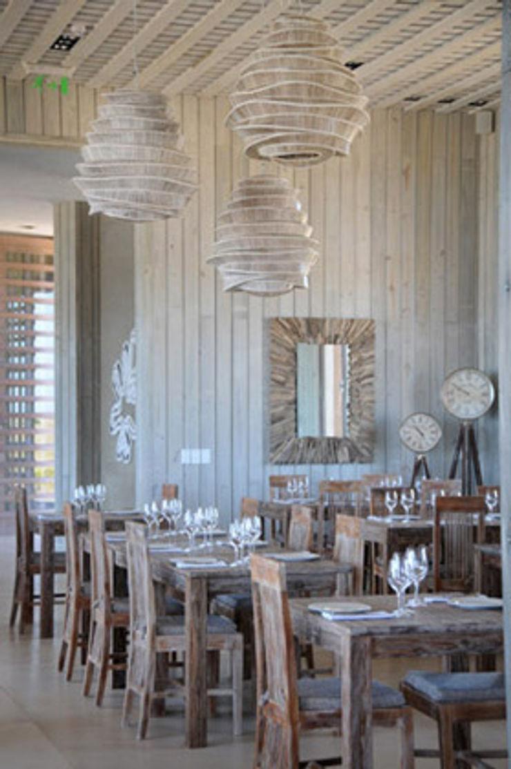 Estudio Susana Villaverde Dining roomTables